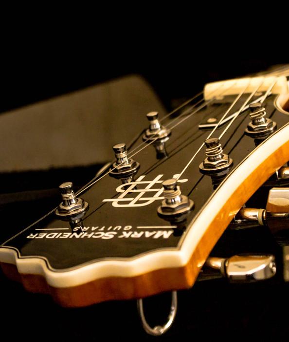 Лого за Уеб сайт дизайн за китари Mark Schneider Guitars